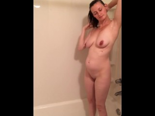 CandaceJones from myfreecams.com taking a shower!