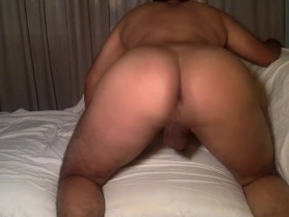 Twerking and Spreading My Big Ass