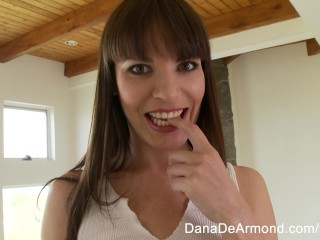 Dana DeArmond on the set
