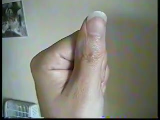 Deborah livecam 30 05 17 suce son pouce comme une fellation baveuse sucking on her thumb like a salivating blowjob