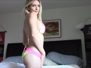 Very hot blonde babe masturbate and orgasm in webcam