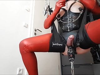 BIZAR SISSY GAPE TRAIN
