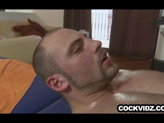 Massage ends with a bareback happy ending
