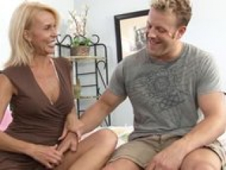 """""""Mature cougar excited to get fucked"""""""