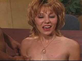 MILF shows how hard she can work  (CLIP)