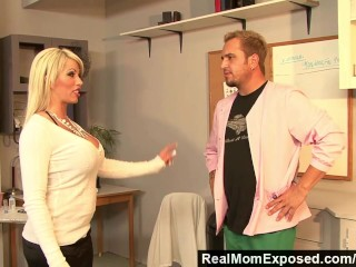RealMomExposed – Boobilicious Brooke has everything to please a cock