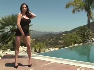 Hot MILF teaches you how to fuck her right