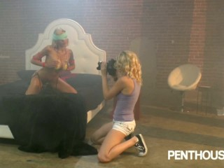 Penthouse – Two hot blondes screw