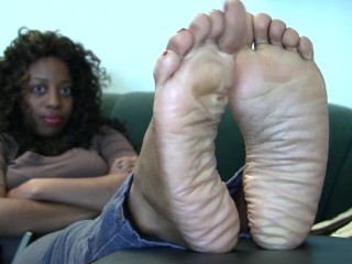 Deanna's Candid Stinky Soles Part 9