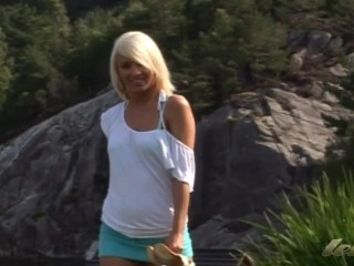 Hote blonde from Norway outdoor dildo play