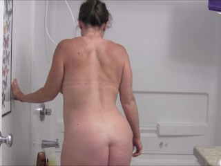 8 1/2 Month Pregnant MILF Showering and Lotioning Up