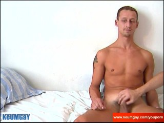 Casting of straight guy: Luc gets wanked by a guy !