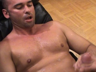 Muscle Man Lifting Guy for Sexy Blow – Twisty's