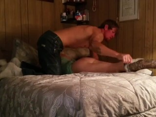 Husband gives wife multiple orgasm with his tongue