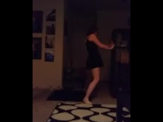 CUTE RED HEAD DANCING