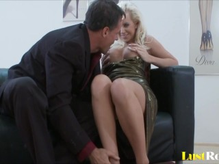 Pussy and ass penetration with horny Cindy Dollar.mp4