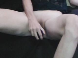 Playing Dildos to pussy