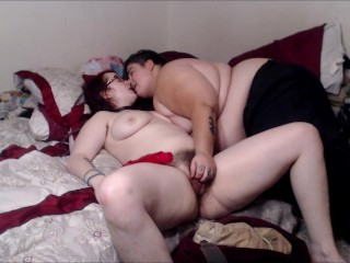 Pussy Squrting and Licking Lesbians