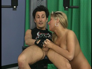 Pretty blonde gets her glutes worked out part 3