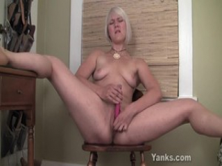 Yanks Blondie Fallon Squirts