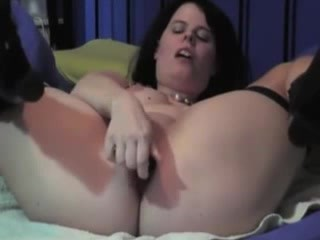 German amateur in boots deep anal