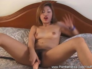 Asian Girlfriend Loves Her Own Pussy