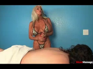 Mature Masseuse Always Willing To Offer Extra