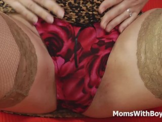 Ass Rimming Deepthroating MILF Slut In Stockings