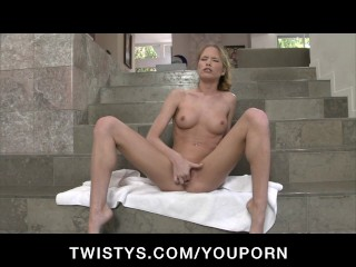 Skinny perky-tit blonde masturbates after her hot