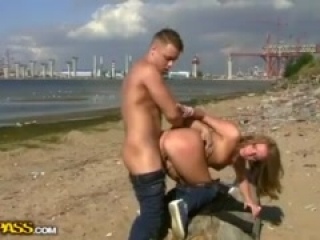 Passionate first date sex on a beach