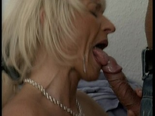 Older lady rewards the moving man for his good service (clip)   e