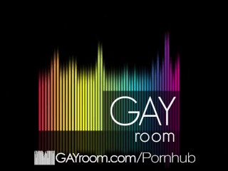 GayRoom – New Toy Warms Up Mike Maverick For Dick
