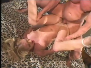 Filling her up with cum – Un-Plugged