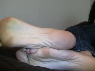 Sexy thick blue toes