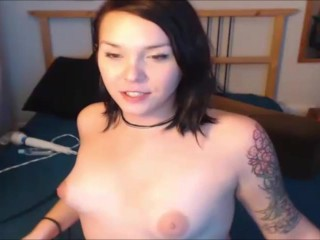Shemale gives a blowjob to herself