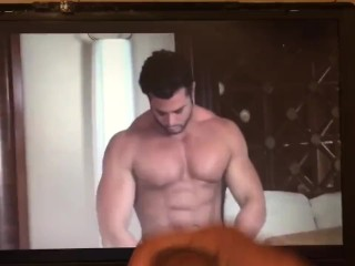 Extremely Hot jacking off while watching Muscle guy rubbing his hot muscle