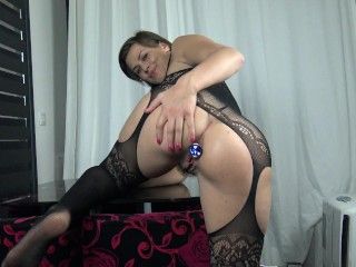 Play with my ass and Squirt – Femme fontaine adore l'anal by Vic Alouqua