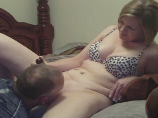Milf wife cumming with the help of a tongue amp a vibrator