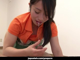 Asian babe gets her cunt vibrated with sex toys