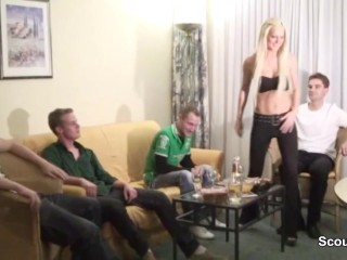 Privat Gangbang Sextape from young german Teen and 5 mens