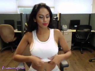 Indian Masturbates Her Desi Pussy In Public Office At Work