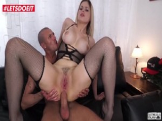 Blonde Babe Gets Nailed Hardcore on Casting Couch