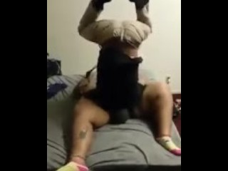 Eat dat pussy in a headstand
