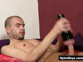 Bald twink Steven cums on his pantyhose nylons