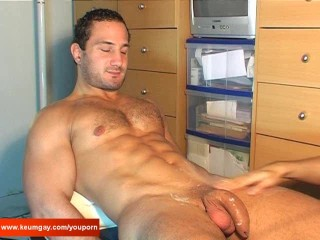 Full video: A nice innocent str8 guy serviced his big cock by a guy