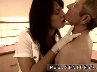 Blowjob soles and boobs licking and sucking hd Dokter Petra is exploring