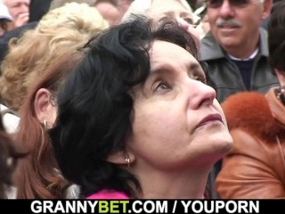 Old granny tourist is picked up and screwed
