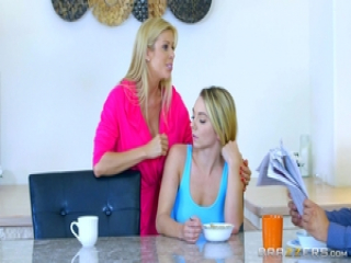 Pussy fun with Alexis Fawx and Molly Mae