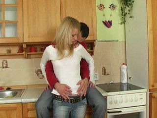 Triple Squirting in the kitchen!