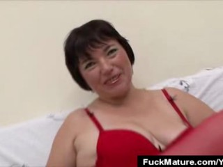 Fingering Mature Babe Cock Sucks